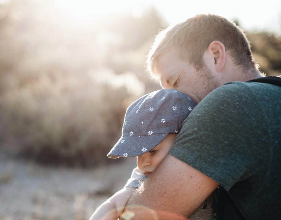 Samuel Signes - Langage des signes - professions - parents - L'art d'intéresser papa à s'impliquer avec bébé