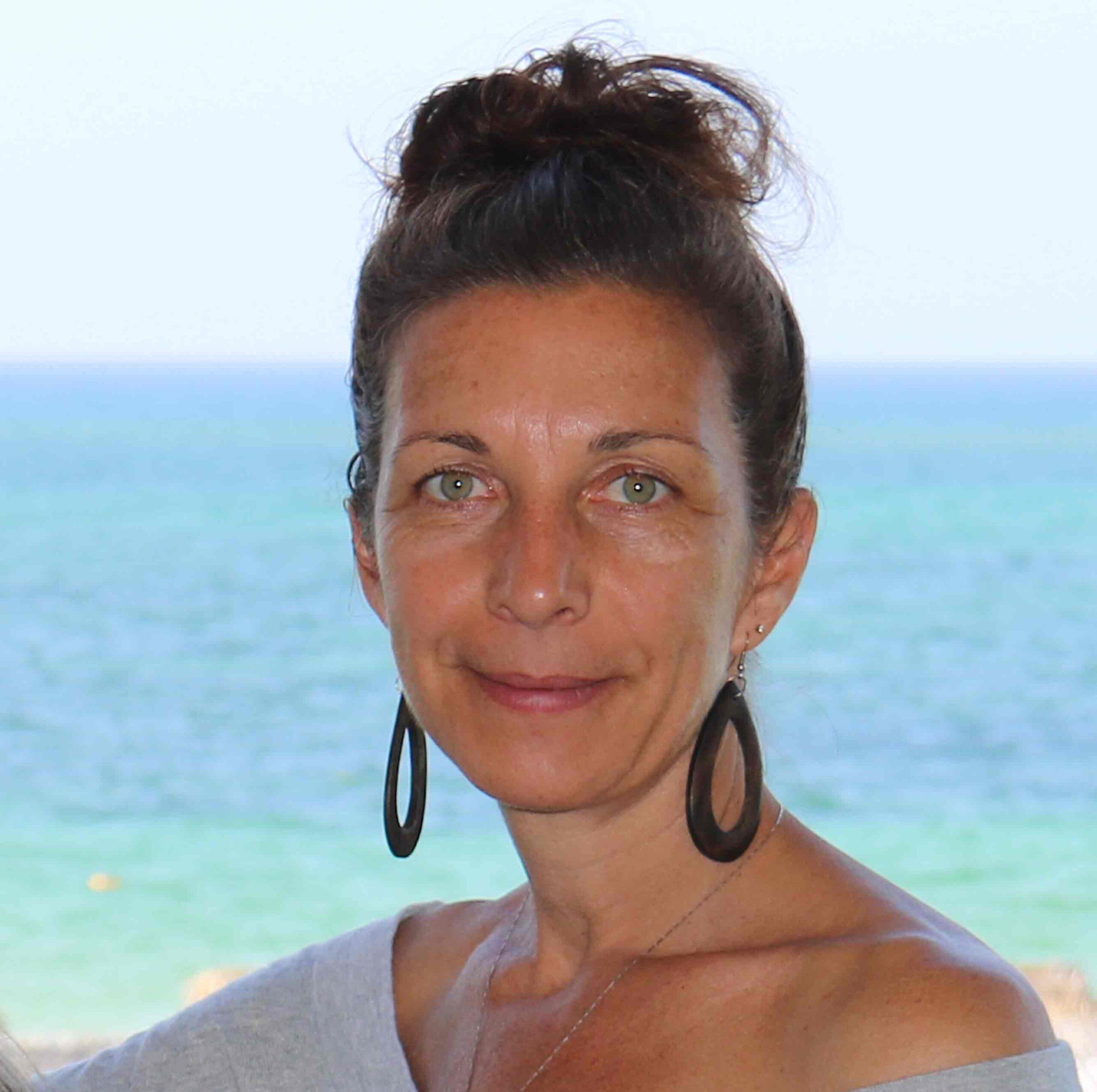 https://www.samuelsigns.com/fr/langue-des-signes-avec-samuel-signes-blogueuse-eugenie-miron-profil/